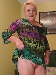 Horny Mature Slut Playing With Her Big Toy^maturemoney-mature.eu_pic Mature Porn Sex XXX Mature Matures Mom Moms Erotic Pics Picture Gallery Free