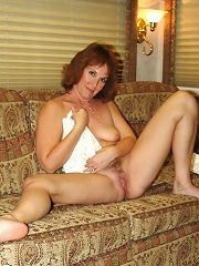Wives Hurt By Big Cocks^amateur Mature Housewives & Milfs Mature Porn Sex XXX Mature Mom Free Pics Picture Gallery