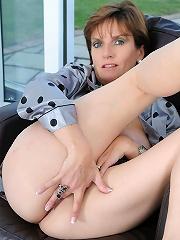 Masturbation In Silk^lady Sonia Mature Porn Sex XXX Mom Free Pics Picture Gallery