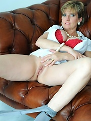 Peels Off Pantyhose^lady Sonia Mature Porn Sex XXX Mature Mom Free Pics Picture Gallery