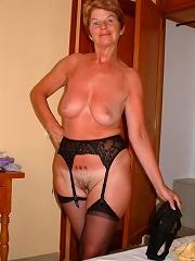 Amateur Matures In Nylons^amateur Matures In Nylons Mature Porn Sex XXX Mom Picture Pics