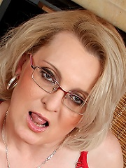 Hot Blonde Mild Margeaux In Spicy Red Lingerie Spreads Her Pussy^all Over 30 Mature Porn Sex XXX Mom Picture Pics