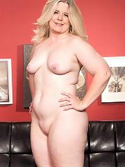 Jemini Jordan - Big-assed Lady Truck Driver Loves Gang Bangs^40 Something Mag Mature Porn Sex XXX Mature Matures Mom Moms Erotic Pics Picture Gallery