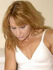 This Mature Slut Just Loves To Get Her Wet Pussy Stretched^maturemoney-maturemadness_pic Mature Porn Sex XXX Mom Free Pics Picture Gallery