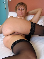 This Mature Nympho Loves Her Rubber Toys^mature Eu Mature Porn Sex XXX Mom Free Pics Picture Gallery