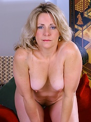 46 Year Old Leah Loves Showing Her Plump Pussy To Her Fans^all Over 30 Mature Porn Sex XXX Mom Picture Pics