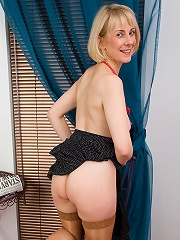 53 Year Old Hazel Shows Off Her Hairy Pussy After A Breakfast Read^all Over 30 Mature Porn Sex XXX Mom Picture Pics